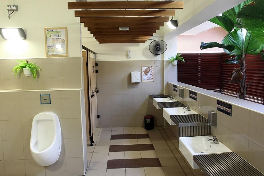 The clean toilet at Kebun Baru Market and Food Centre, which received a five star rating under the Happy Toilet programme. -- PHOTO: LIANHE ZAOBAO