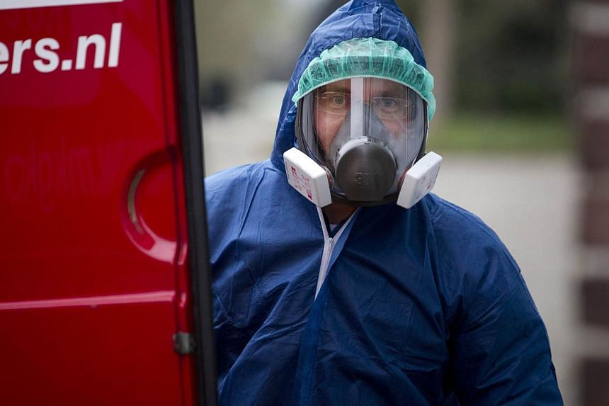 A Dutch bird flu outbreak has spread to a third farm, the government said on Friday, prompting inspections at dozens of other farms in the Netherlands, a leading exporter of eggs and poultry. -- PHOTO: AFP