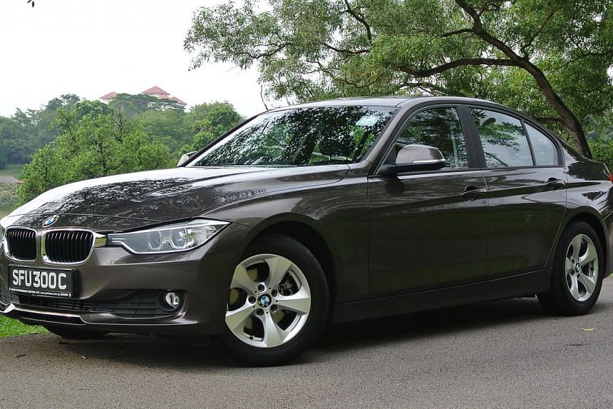 The BMW 320i ED has a 1.6-litre engine that is highly fuel-efficient.