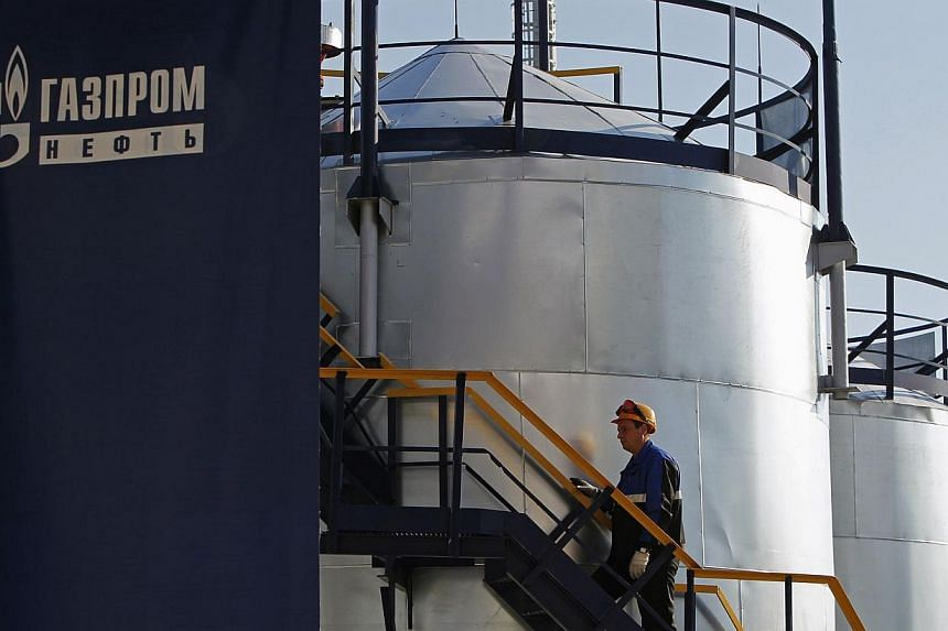 Moscow will seek new partners in countries that have not imposed sanctions on it if Western oil and gas companies pull out of projects with Russia, RIA news agency quoted Energy Minister Alexander Novak as saying on Saturday. -- PHOTO: REUTERS