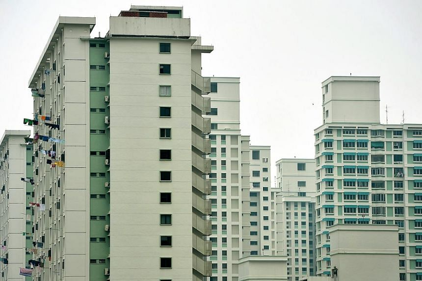 The HDB on Monday called for nominations for next year's Housing Board's Good Neighbour Awards, which recognise individuals who have shown acts of care and thoughtfulness to their neighbours and community. -- ST PHOTO: KUA CHEE SIONG