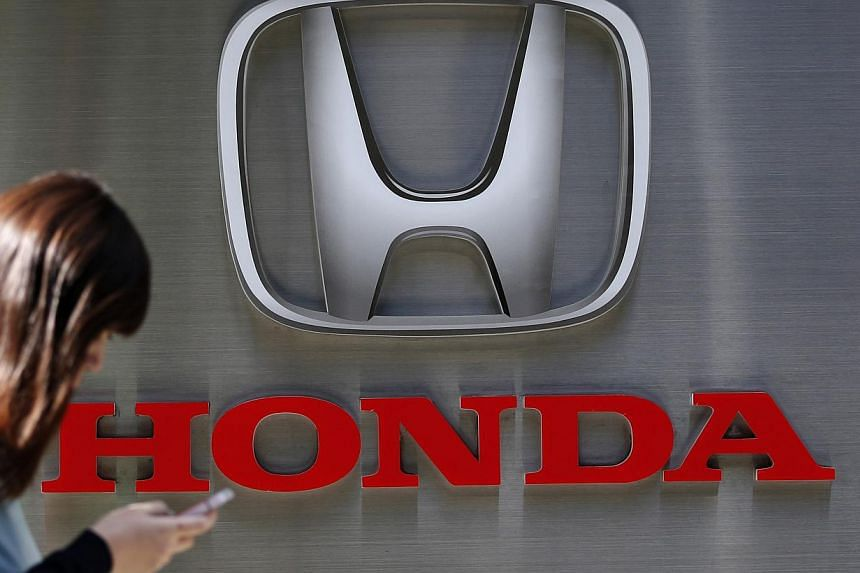 Honda failed to notify US safety regulators of 1,729 claims of injuries and deaths related to accidents in its vehicles since 2003, it admitted on Monday. -- PHOTO: REUTERS