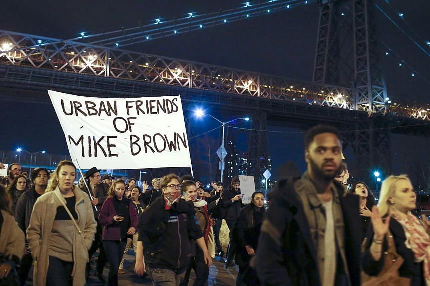 Protesters shut down the FDR driveway in New York while they demonstrate against the Michael Brown shooting verdict, on Nov 25, 2014.-- PHOTO: REUTERS