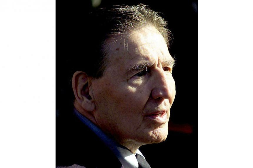 "Infamous London gangster ""Mad"" Frankie Fraser in a 2000 file photo. Fraser, who had spent 42 years in prison, died in hospital aged 90, on Nov 26, 2014. -- PHOTO: REUTERS"