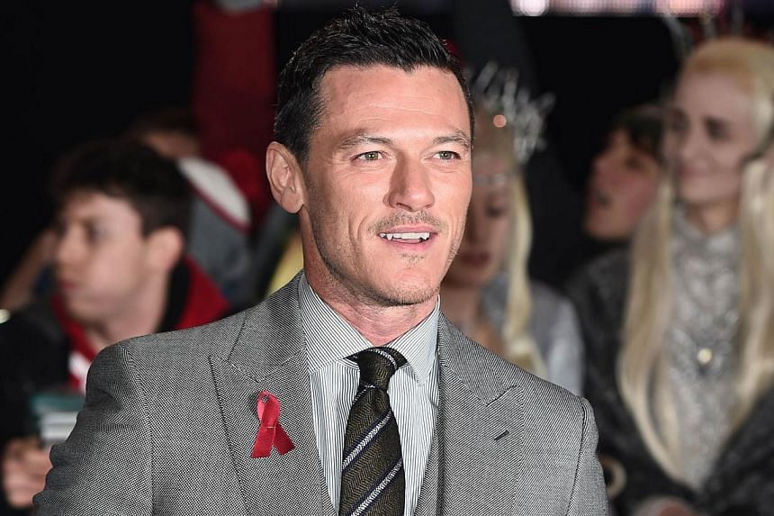 Welsh actor Luke Evans on the red carpet upon arrival for the world premiere of The Hobbit: The Battle Of The Five Armies in central London on Dec 1, 2014. -- PHOTO: AFP