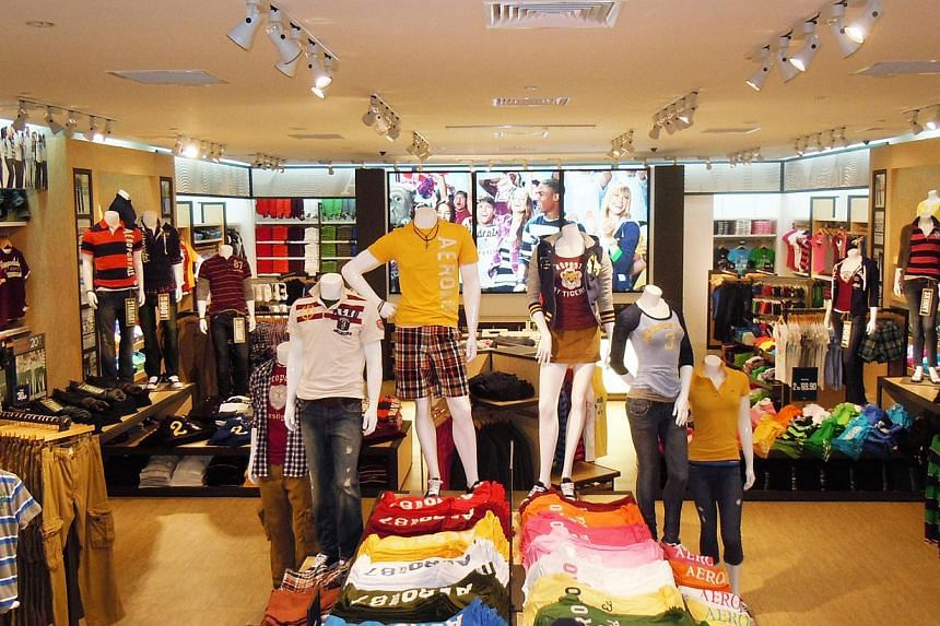 American apparel retailer Aeropostale reported its eight straight quarterly loss, hurt by higher discounts and falling demand, and is set to close about 75 stores in the current quarter. -- PHOTO: AEROPOSTALE