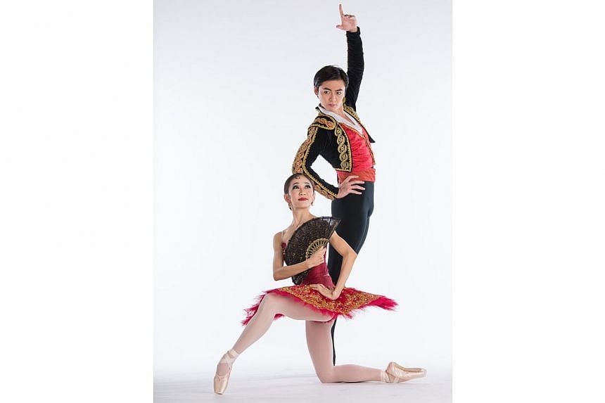 Dancers Rosa Park and Chen Peng in Don Quixote, a ballet by the Singapore Dance Theatre. -- PHOTO: BERNIE NG