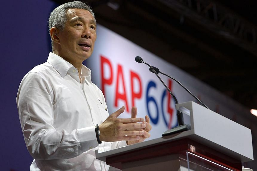 Singapore's opposition parties do not see it as their duty to solve the nation's problems and plan for the future, says Prime Minister Lee Hsien Loong. -- ST PHOTO: CAROLINE CHIA