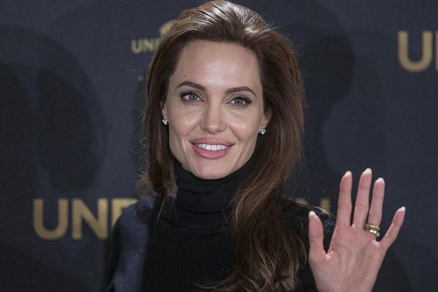 "Oscar-winning actress Angelina Jolie was branded a ""minimally talented spoiled brat"" in an e-mail exchange that has been disclosed after a hacking attack on Sony Pictures. -- PHOTO: REUTERS"