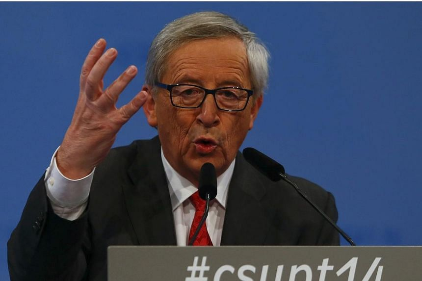 European Commission President Jean-Claude Juncker warned Britain not to discriminate against workers from fellow EU countries and said any moves to restrict the free movement of people could ultimately harm capital flows into London's financial centr
