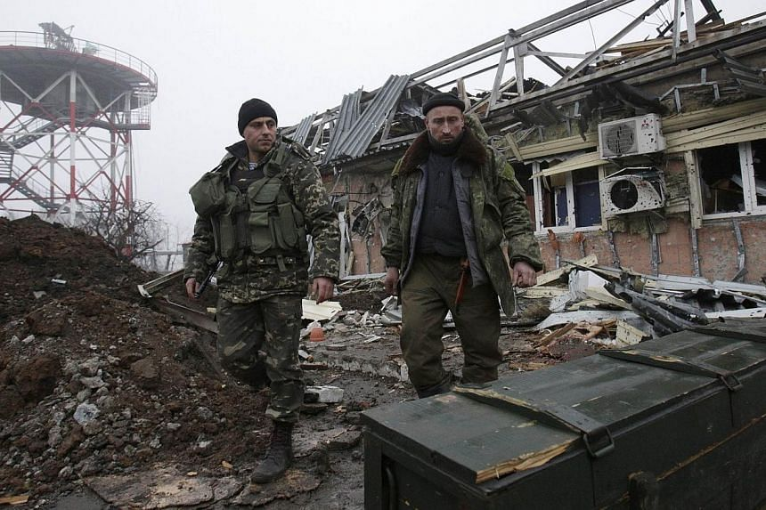 Fighting between government troops and pro-Russian rebels in Ukraine has left more than 300 people dead in less than a month, taking the overall toll to 4,634, the UN said on Saturday in its latest report on the conflict. -- PHOTO: AFP