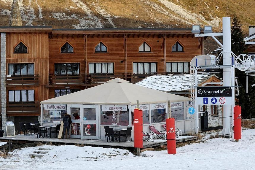 A picture taken on Dec 13, 2014 in Val d'Isere shows La Cabane, a chips stall located in front of a building where French cosmetics giant L'Oreal's former chief executive Lindsay Owen-Jones owns a flat.On Tuesday, the millionaire ex-cosmetics b