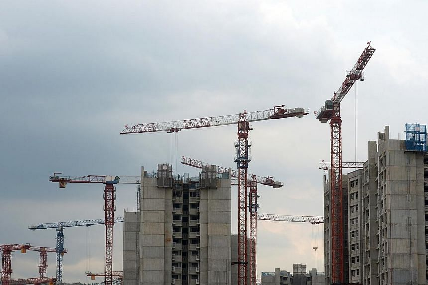 There were 86,298 flats under construction in the last financial year, up from 72,737 the year before. -- ST PHOTO: JAMIE KOH