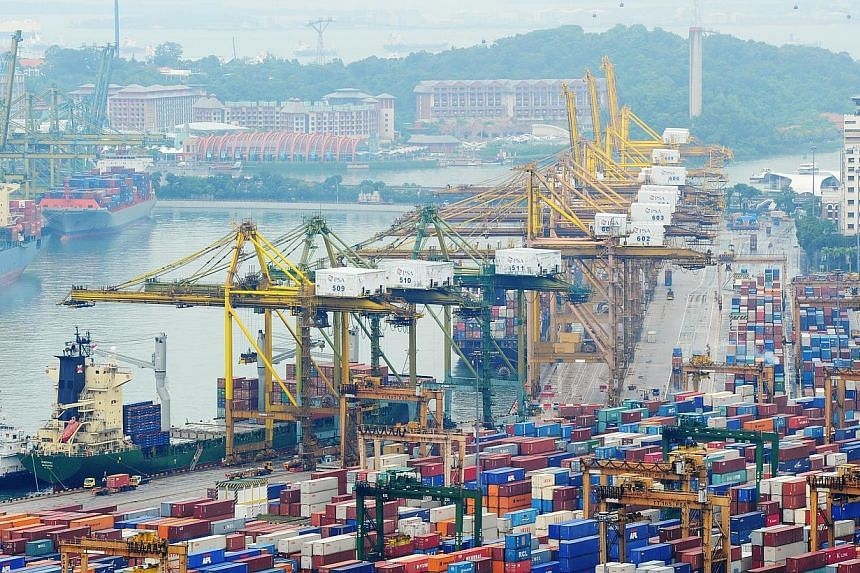 Singapore's non-oil domestic exports grew 1.6 per cent in November from a year earlier as non-electronic shipments outweighed the decrease in electronic exports. -- PHOTO: ST FILE