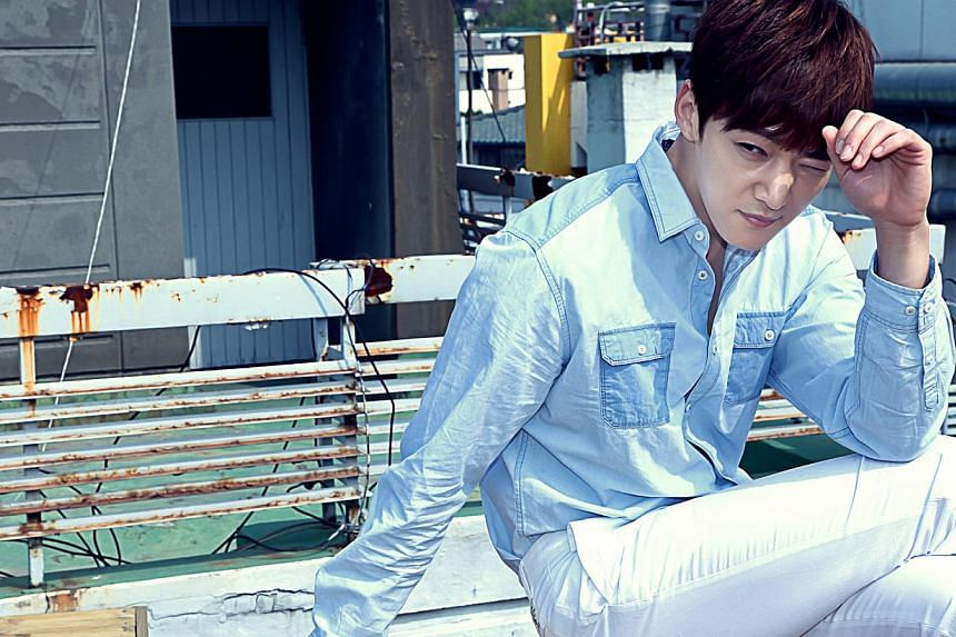 Bachelor Choi Jin Hyuk (above) plays the lead in drama Pride And Prejudice and with Song Ji Hyo in Emergency Couple.--PHOTO: OH!K