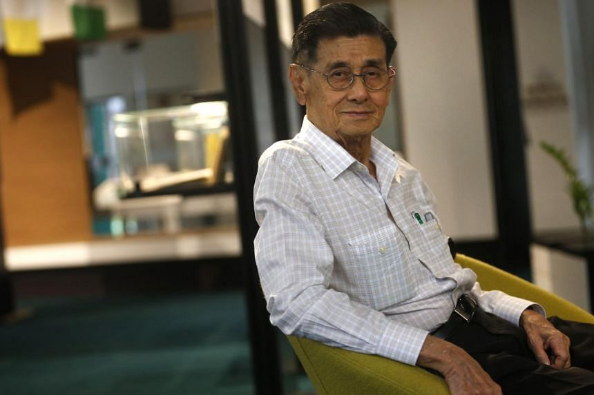 Mr Chee, who taught at RI from 1960 to 1980, inspired many of his students with his love for maths. A scholarship named after him will be awarded to six students from RI, RGS and six secondary schools in the Bishan area. -- ST PHOTO: KEVIN LIM