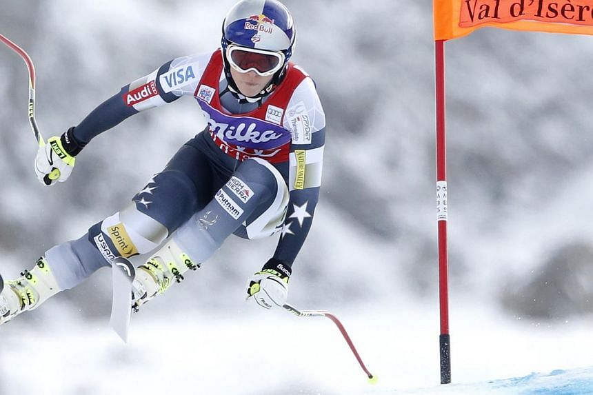 US Lindsey Vonn skis during the second training session for the Women's World Cup Downhill skiing race in Val d'Isere, French Alps on Dec 19, 2014. -- PHOTO: REUTERS