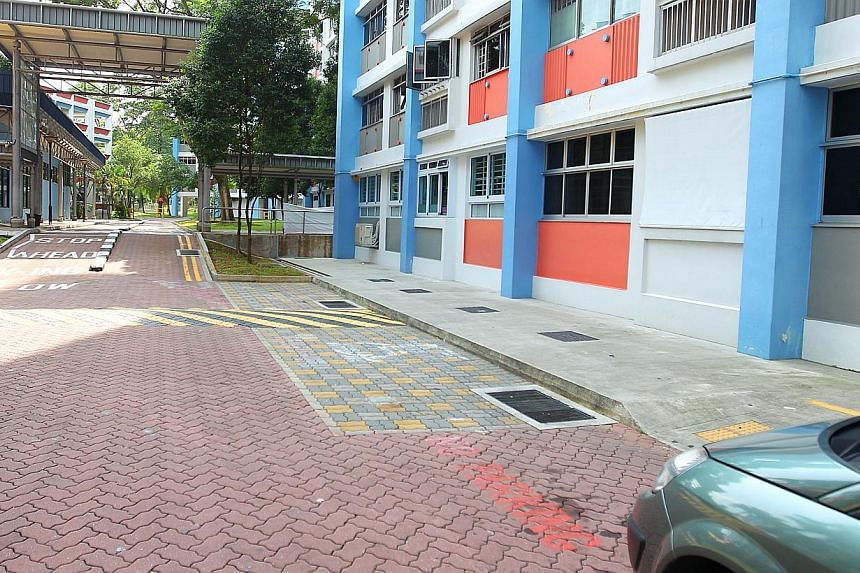 A tiered fines system for illegal parking will be introduced from next year, the Land Transport Authority (LTA) said on Monday. -- PHOTO: THE NEW PAPER
