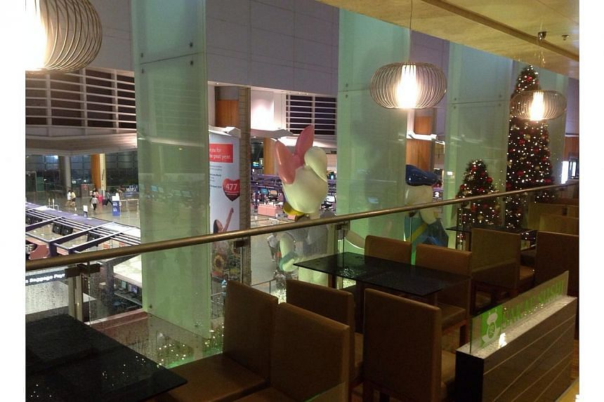 Crystal Jade restaurant in Changi Airport Terminal 2 had to send away half of its customers after a burst water pipe affected its operations. -- PHOTO: RONALD SNG