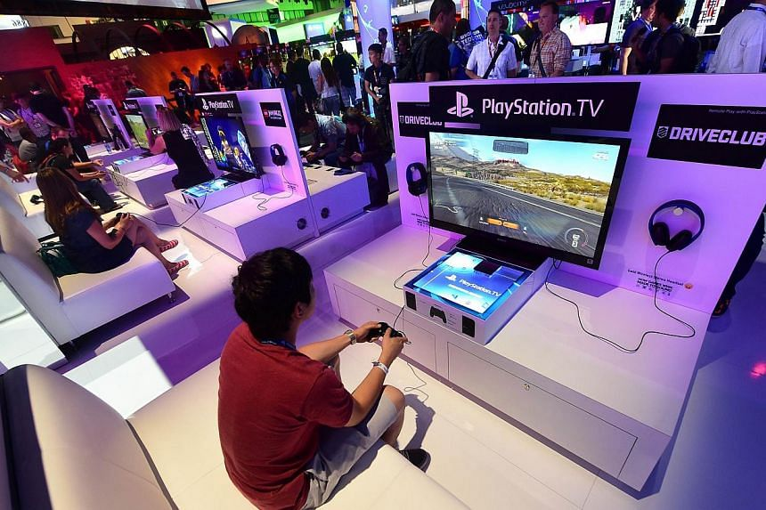 "Sony was still struggling Saturday to fully restore its online PlayStation system, three days after the Christmas day hack that also hit Microsoft's Xbox, reporting that services were ""gradually coming back"". -- PHOTO: AFP"