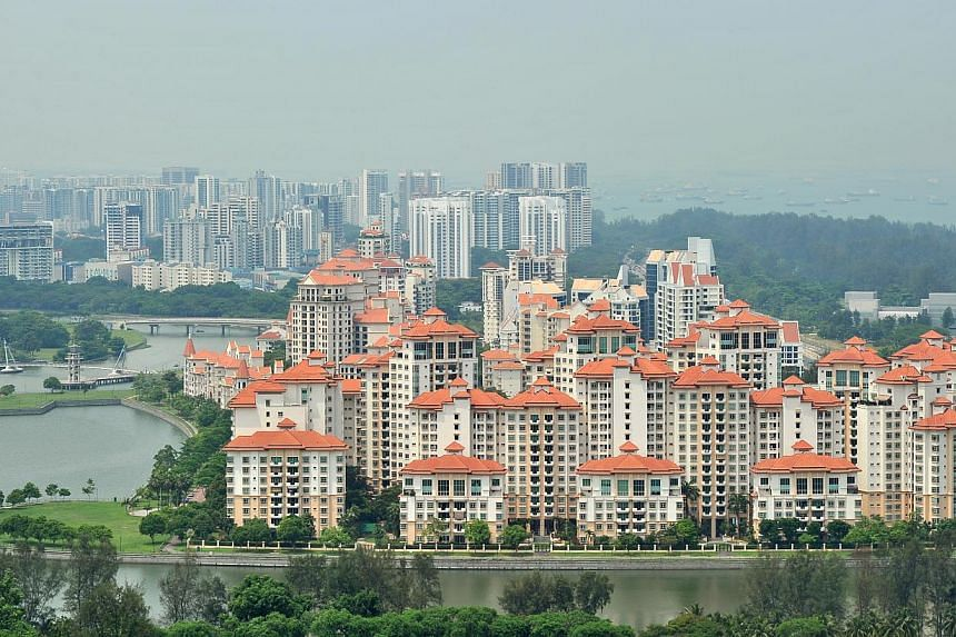 The SRPI, compiled by the National University of Singapore's Institute of Real Estate Studies, showed overall resale prices declined 0.3 per cent in November from the previous month. -- ST PHOTO:LIM YAOHUI