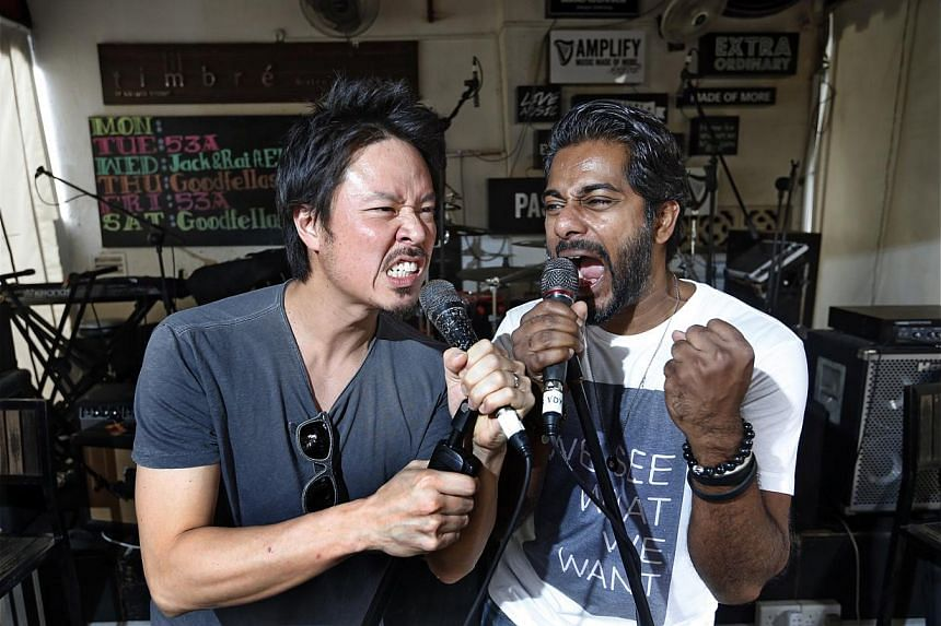 Jack Ho (left) and Rai Kannu (right) have built a following by playing early to mid-2000 chart-toppers. -- ST PHOTO: KEVIN LIM