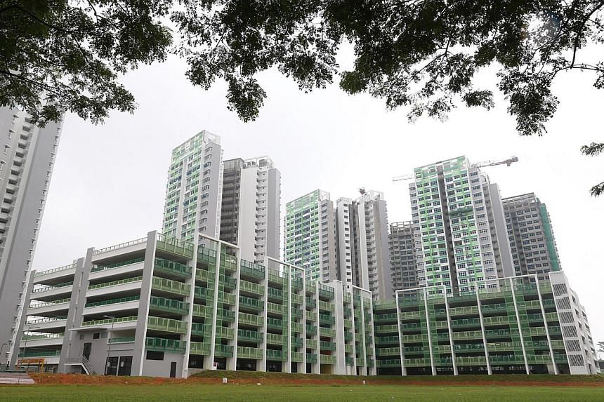 Some future residents of Build-To-Order project Fernvale Lea claimed that the development booklet of the area showed the site was reserved for a Chinese temple. However, the HDB and URA said the town map and site plan issued included notes which indi