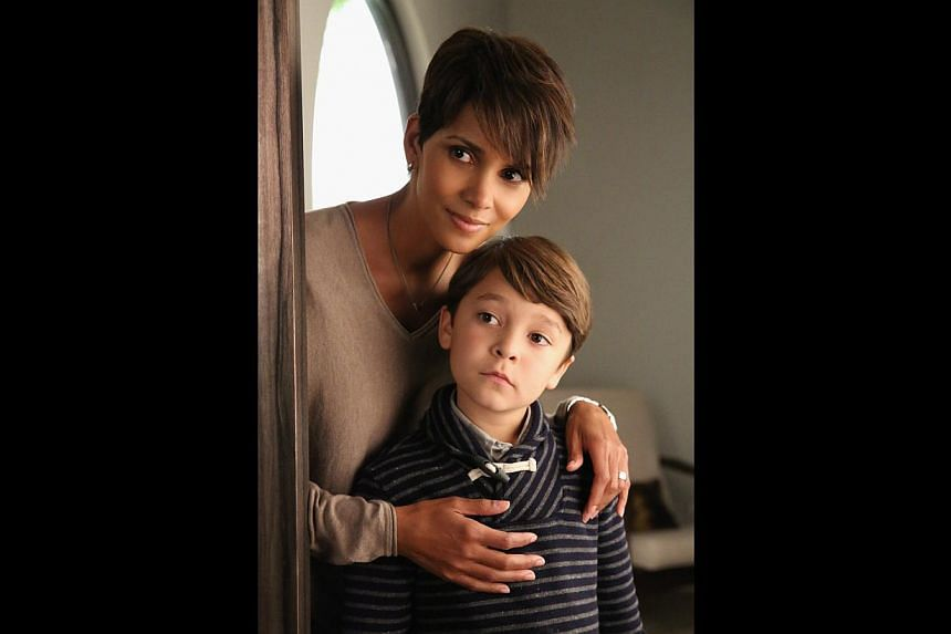 Extant stars Halle Berry and Pierce Gagnon (both above). -- PHOTO: HBO ASIA
