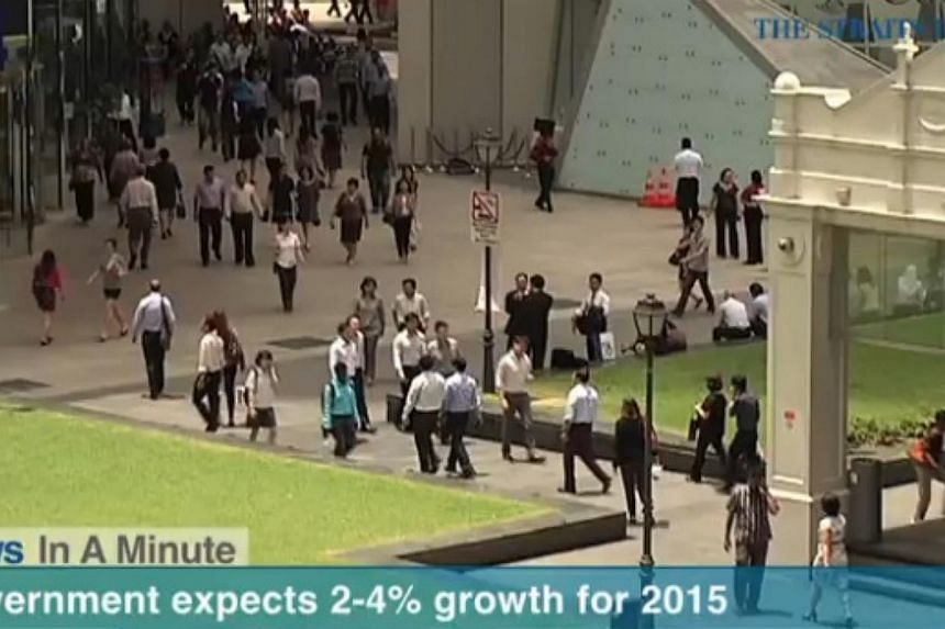 In today's The Straits Times News In A Minute video, we look at the government expecting economic growth in Singapore this year to be between 2 and 4 per cent.  -- PHOTO: SCREENGRAB FROM RAZORTV