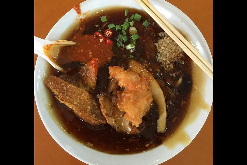 Lor Mee fromKeng Heng (Whampoa) Teochew Lor Mee at Golden Mile Food Centre.-- ST PHOTO: EUNICE QUEK