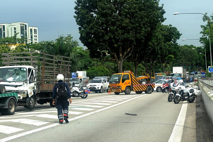 The accident caused a traffic jam during the morning rush hour. -- ST PHOTO: TIFFANY GOH