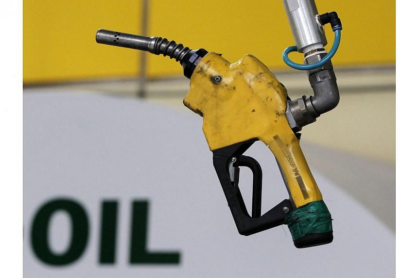 Asian countries are mostly oil importers, so the Asian economy should take advantage and benefit from low oil prices. -- PHOTO: REUTERS