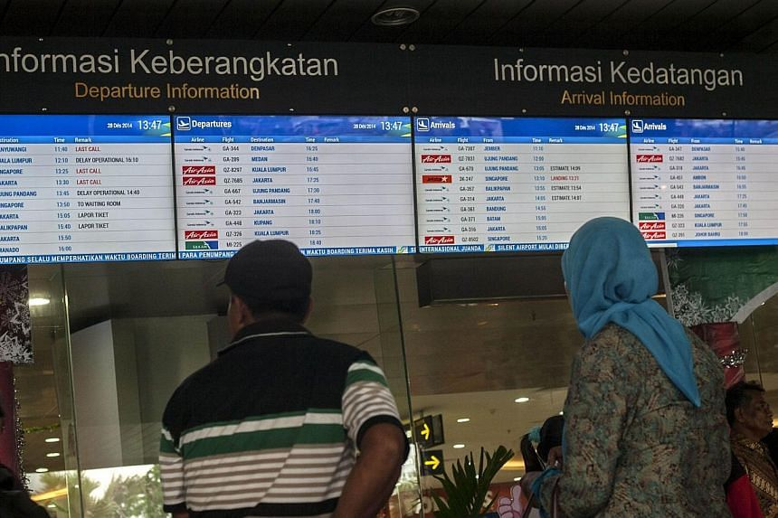 Indonesia's transport ministry has cracked down on the sale of cheap tickets for domestic flights to ensure airlines do not cut corners on safety, authorities said on Thursday, just over a week after an AirAsia flight crashed into the Java Sea. -- PH