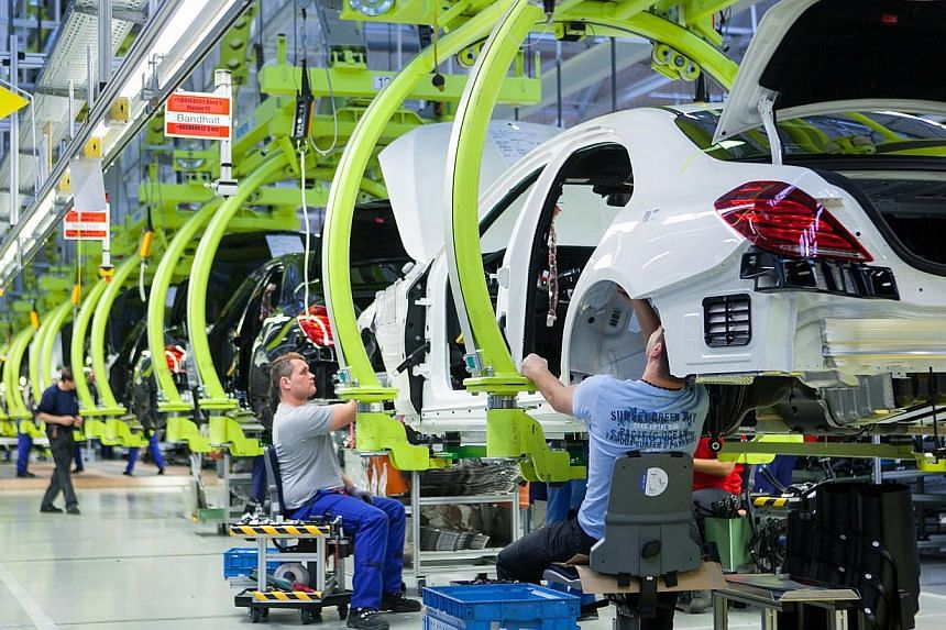 German exports fell sharply in November and industrial output also declined, suggesting Europe's largest economy ended 2014 on a weak note. -- PHOTO: BLOOMBERG