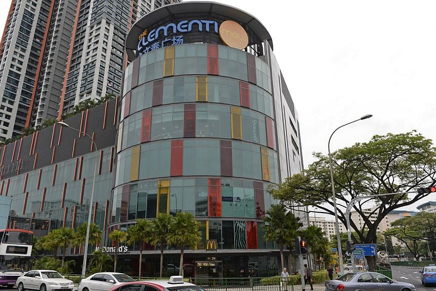 The Clementi Mall. SPH Reit Management, the managers of SPH Reit, has announced a distribution to unitholders of $33.5 million for the first quarter ended Nov 30 last year. -- PHOTO: ST FILE