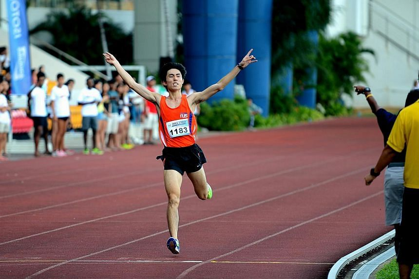 The 23-year-old was honoured for his effort at the California International Marathon, where he clocked 2hr 26min 1sec. -- PHOTO:COURTESY OF SOH RUI YONG