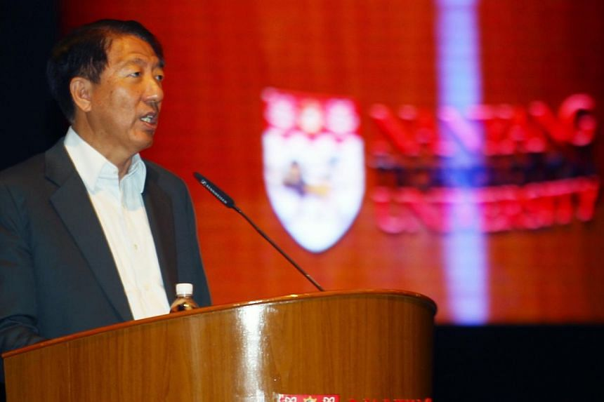 Deputy Prime Minister Teo Chee Hean speaking at the Global Young Scientists Summit opening ceremony at Nanyang Technological University on Sunday, Jan 18, 2015. -- PHOTO: ZAOBAO