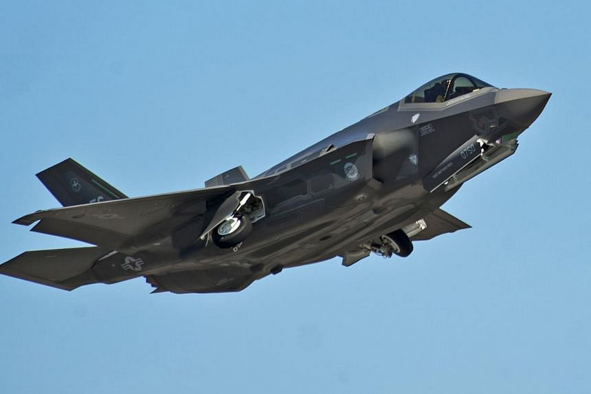 """A F-35A Lightning II Joint Strike Fighter. Former US intelligence contractor Edward Snowden says China had stolen """"many terabytes"""" of data about the Lockheed Martin Corp F-35 fighter jet. -- PHOTO: REUTERS"""