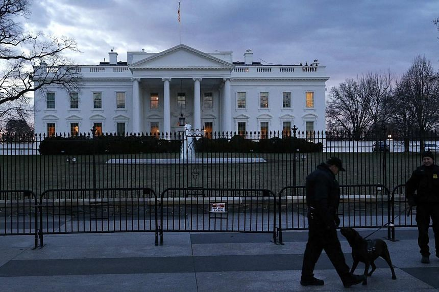 "The US Secret Service has recovered a ""device"" from the grounds of the White House, a spokesman said on Monday, adding that it did not appear to pose an ""ongoing threat"". -- PHOTO: REUTERS"