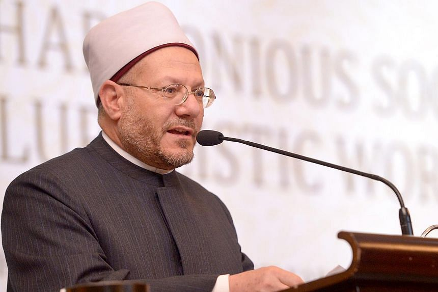 "Egypt's Grand Mufti Sheikh Shawki Allam delivers the Muis Lecture, ""Building Harmonious Societies in a Pluralistic World"" at the Orchard Hotel on Jan 26, 2015. The principle of moderation in all things is a key part of Islamic teachings, Dr Alla"