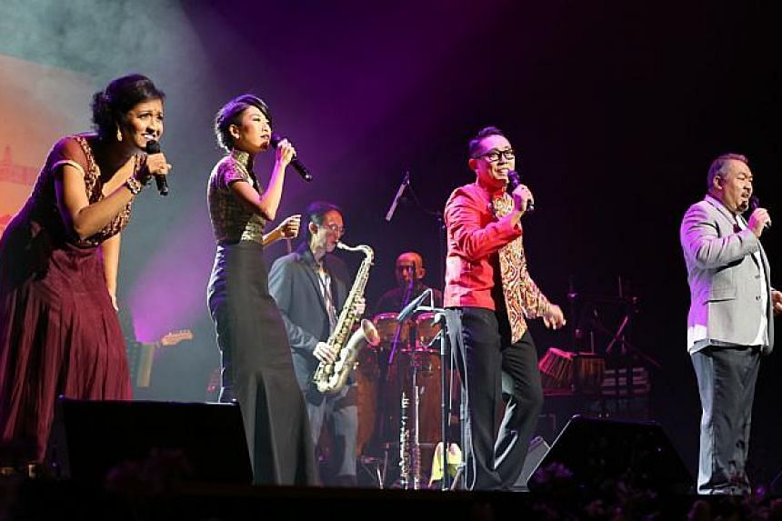 Jazz singers (from left) Rani Singam, Melissa Tham, Rudy Djoe and Steven Francis singing in the finale performance.-- ST PHOTO: ONG WEE JIN
