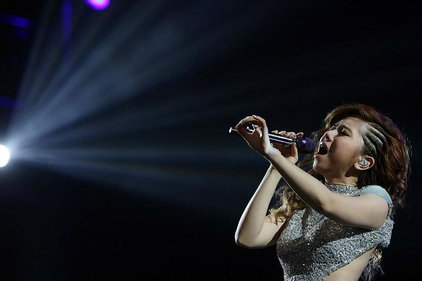 Hong Kong-based G.E.M. performing at the Max Pavilion, Singapore Expo Hall 10 on Jan 30, 2015. -- ST PHOTO: NEO XIAOBIN