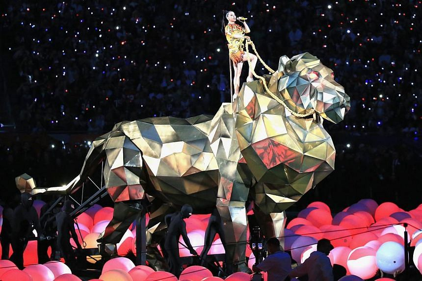Katy Perry performs onstage during the Pepsi Super Bowl XLIX Halftime Show at University of Phoenix Stadium in Glendale, Arizona on Feb 1, 2015. -- PHOTO: AFP