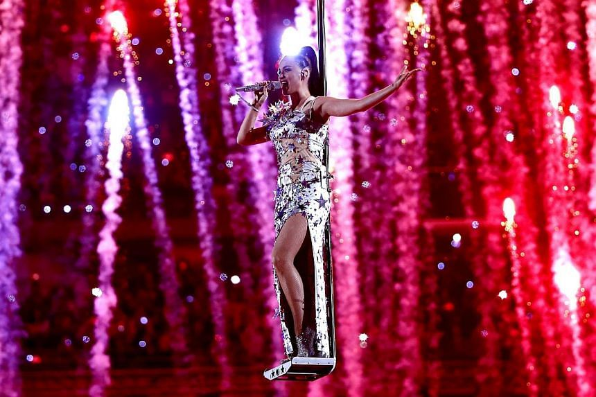US musician Katy Perry performs during the halftime show of Super Bowl XLIX between the Seattle Seahawks and the New England Patriots at the University of Phoenix Stadium in Glendale, Arizona, United States, on Feb 1, 2015. -- PHOTO: EPA