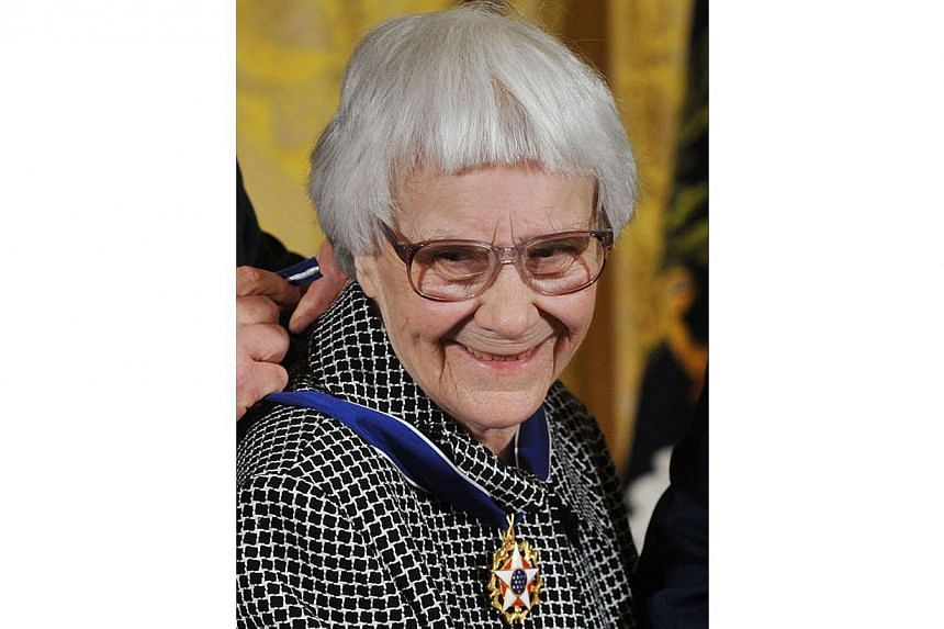 Pulitzer Prize-winning author Harper Lee in the East Room of the White House in Washington, DC on Nov 7, 2007. -- PHOTO: AFP