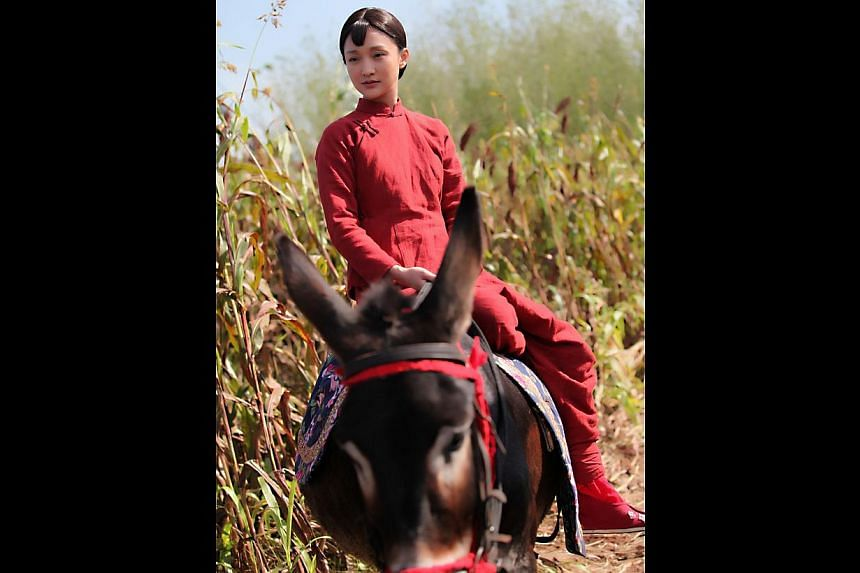 Zhou Xun in the well-received drama series Red Sorghum. -- PHOTO: SINGTEL TV