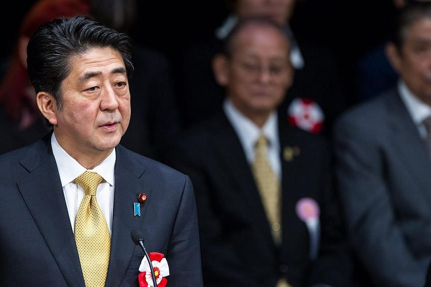 Prime Minister Shinzo Abe's handling of the hostage crisis involving two Japanese captured in Syria and killed by Islamic State in Iraq and Syria (ISIS) militants has helped raise the approval ratings of the Japanese government, polls published this