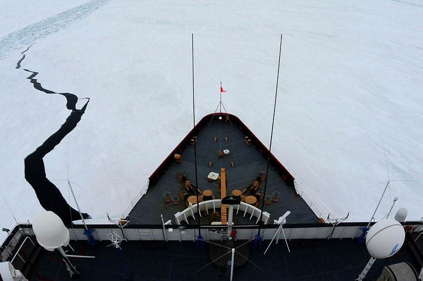 The Coast Guard Cutter Polar Star on Jan 15, 2015. The icebreaker is racing to the rescue of an Australian fishing vessel with 27 people on board stuck in the Antarctic ice. -- PHOTO: AFP