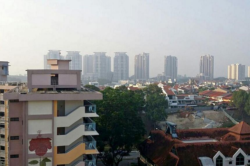 Haze as seen in Bedok around 8am when PSI level in the East was at 78. -- ST PHOTO: DAVID FOO
