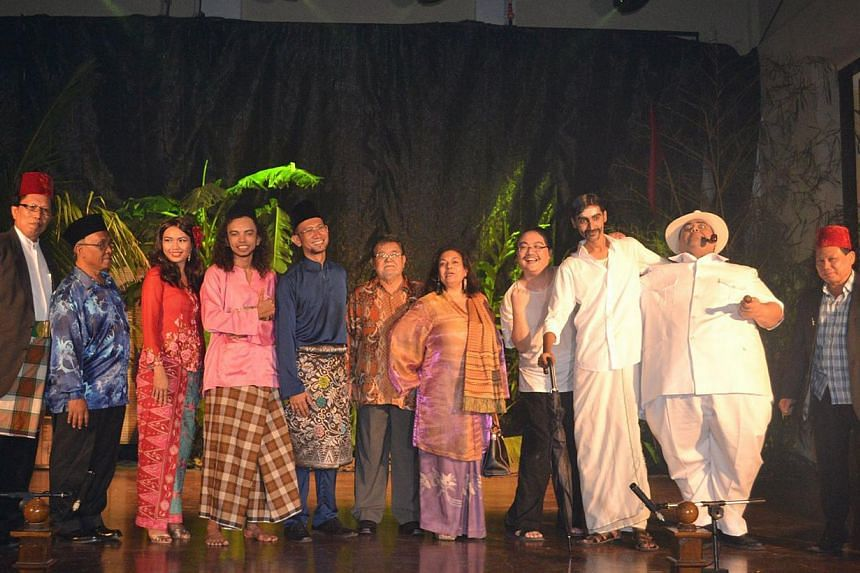The popular George Town Festival included a Boria performance, a typically Straits Muslim form of entertainment that used to be presented in public spaces a long time ago. Using parody, it pokes fun at modern life, while carrying a comedic moral mess